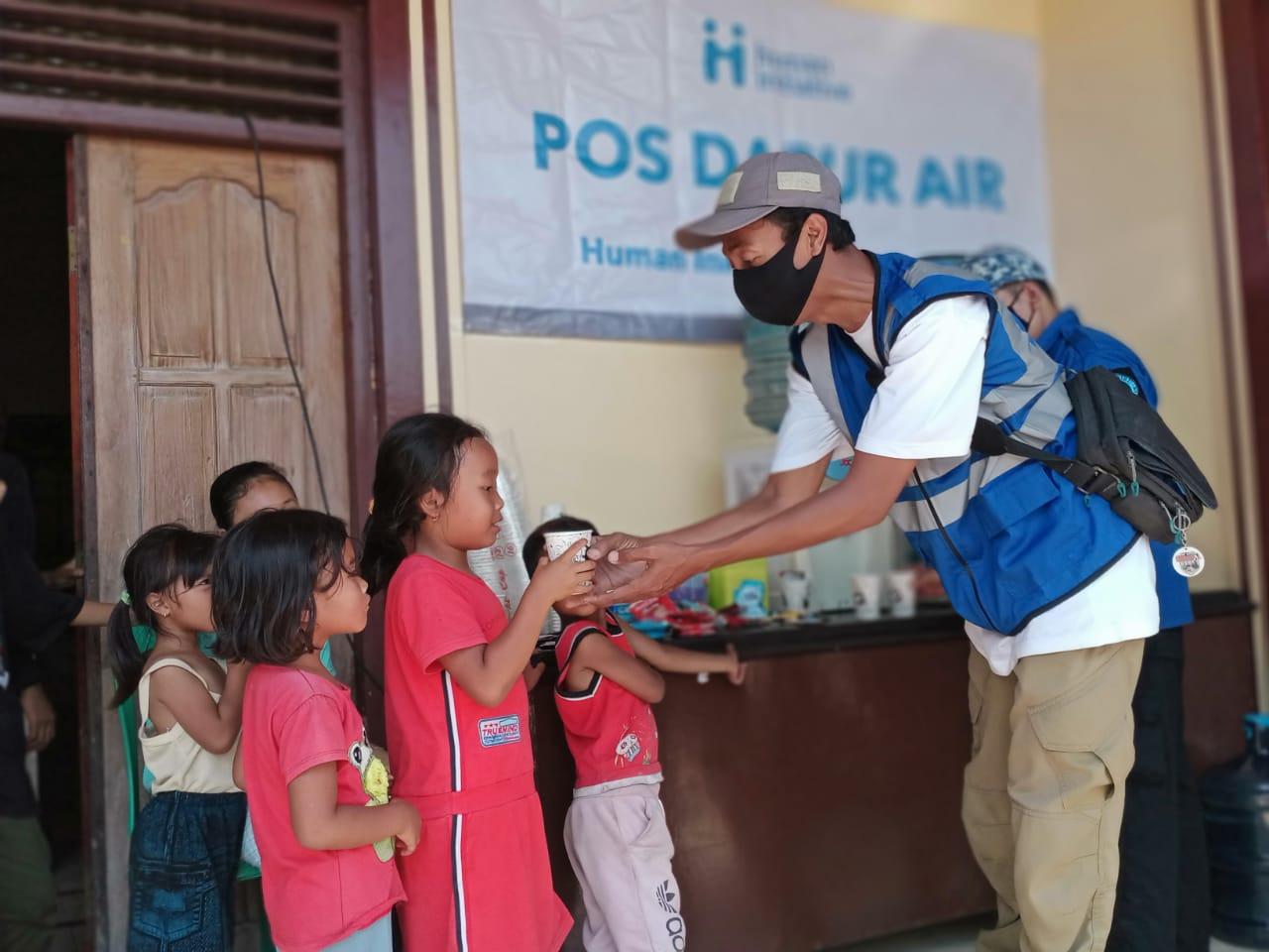 Dirikan Dapur Air dan Beri Dukungan Psikososial kepada Penyintas Bencana Gunung Merapi