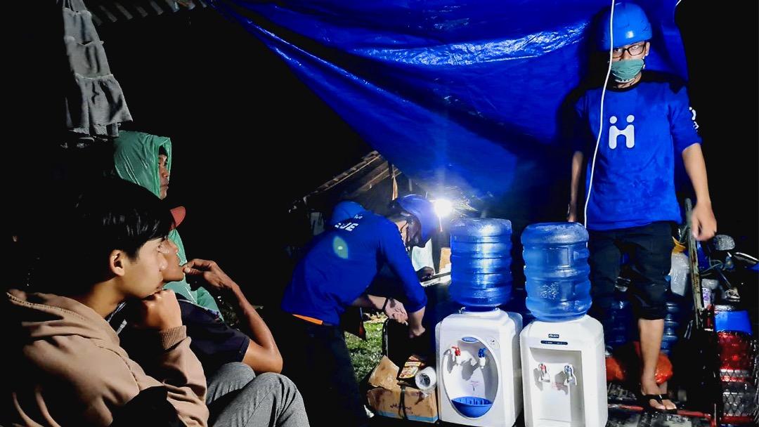 Foto : Tim Human Initiative membuka dapur air untuk para pengungsi